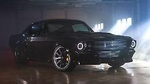 Von außen ist kaum zu erkennen, dass statt eines V8 mehrere Elektromotoren für den Vortrieb des Mustang sorgen.