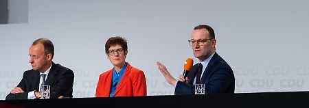 """""""Wie stehen Sie zum UN-Pakt?"""": Die drei Kandidaten und der """"weiße Elefant"""""""