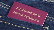 FPÖ verdächtigt Tausende: Österreicher fürchten Ausbürgerung