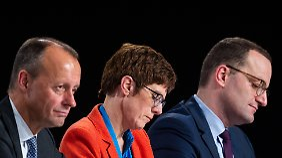 Kampf um CDU-Chefsessel wird härter: Kramp-Karrenbauer schießt gegen Merz