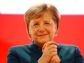 Sichtlich gerührt: Angela Merkel nach ihrer letzten Ansprache als CDU-Chefin.