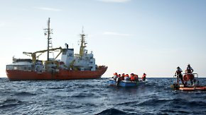 """Von EU-Staaten wiederholt blockiert: Helfer beenden Rettungseinsätze der """"Aquarius"""""""