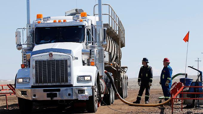 Neue Machtbalance am Rohölmarkt: Der Fracking-Boom in den USA spült ein Überangebot in den Handel.