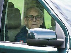 Fahrzeug lag auf der Seite: Prinz Philip in Autounfall verwickelt