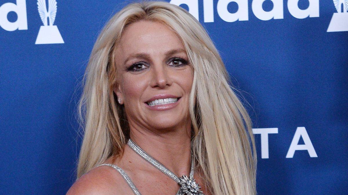 Britney postet Video aus dem Kleiderschrank