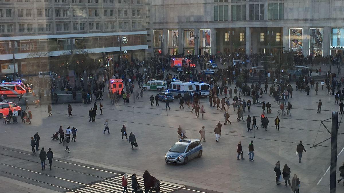Neun-Festnahmen-Massenschl-gerei-am-Berliner-Alexanderplatz