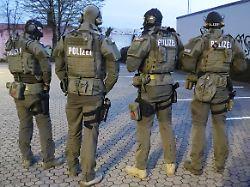 Razzia gegen Clankriminalität: Bremer Polizei nimmt Drogenplantage hoch