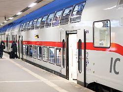 WLAN, neue Toiletten und Sitze: Bahn rüstet Intercity-Züge auf