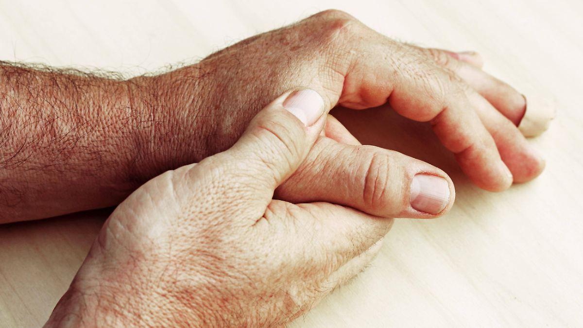 Schleichend Und Unheilbar Parkinson Ist Nicht Nur Händezittern N Tv De