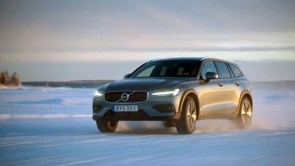 So schlägt sich der Volvo V60 Cross Country auf Eis und Schnee