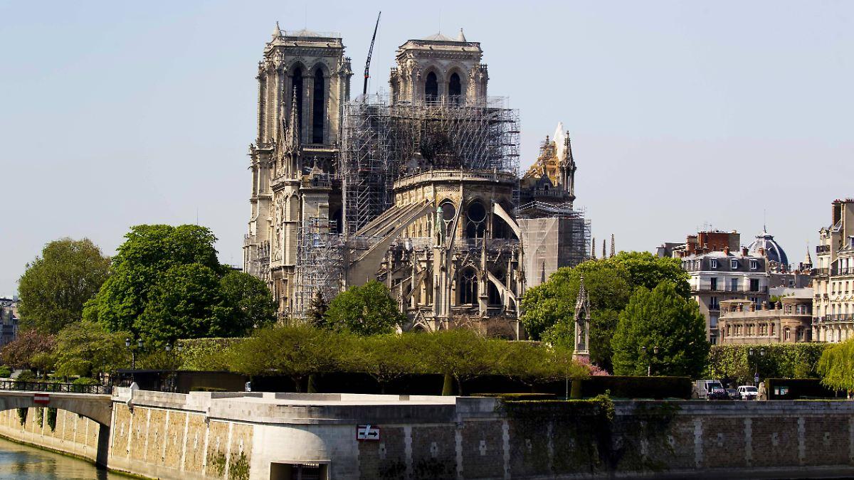 """Notre-Dame ist """"fast gerettet"""""""