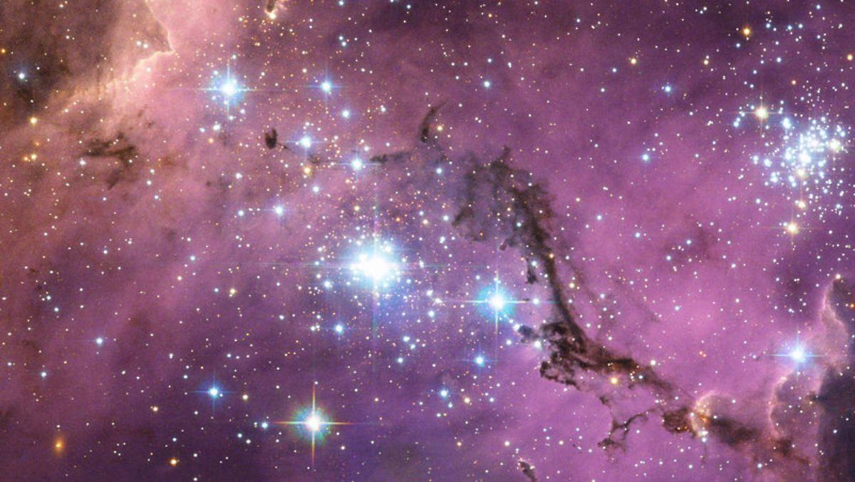 Universum wächst schneller als erwartet