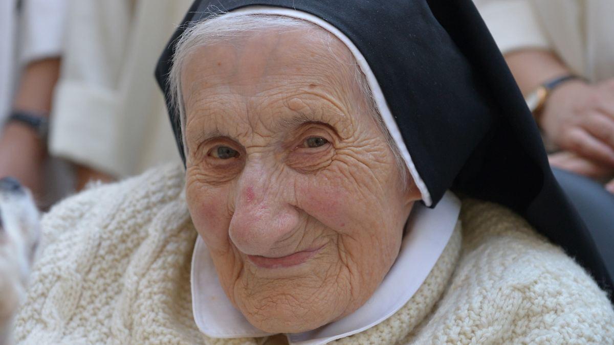 Deutschlands älteste Nonne stirbt mit 110