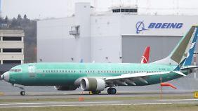 Flugverbot nach zwei Abstürzen: Boeing schließt Update für 737 Max ab
