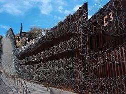 Eine Milliarde Dollar: Richter blockiert Geld für Trumps Mauer
