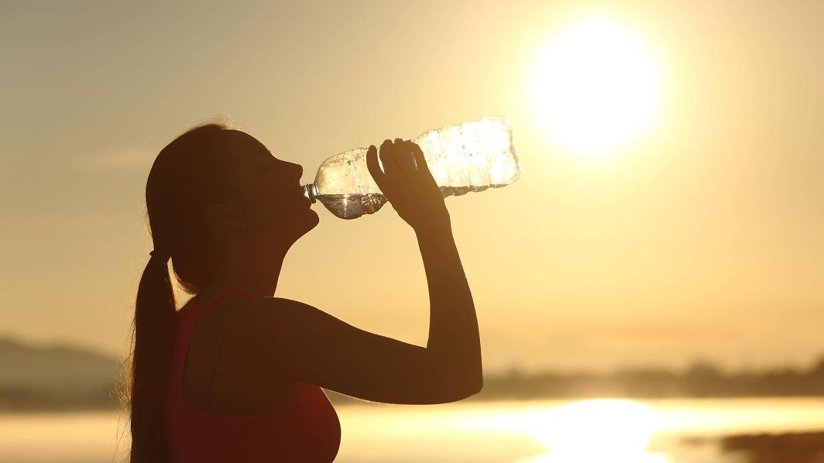Wie man bei einem Hitzschlag Leben rettet