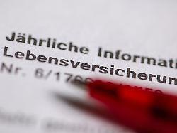 Konzerne unter Druck: Können Lebensversicherer Zinsen halten?