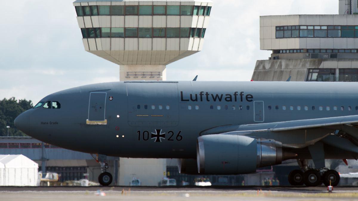 Maas steigt auf Truppentransporter um