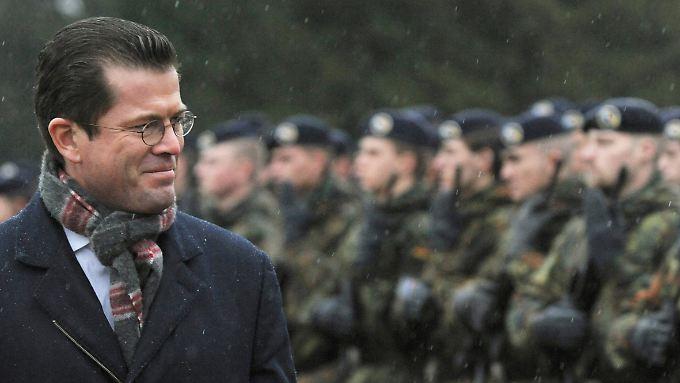 Verteidigungsminister zu Guttenberg - adelig.