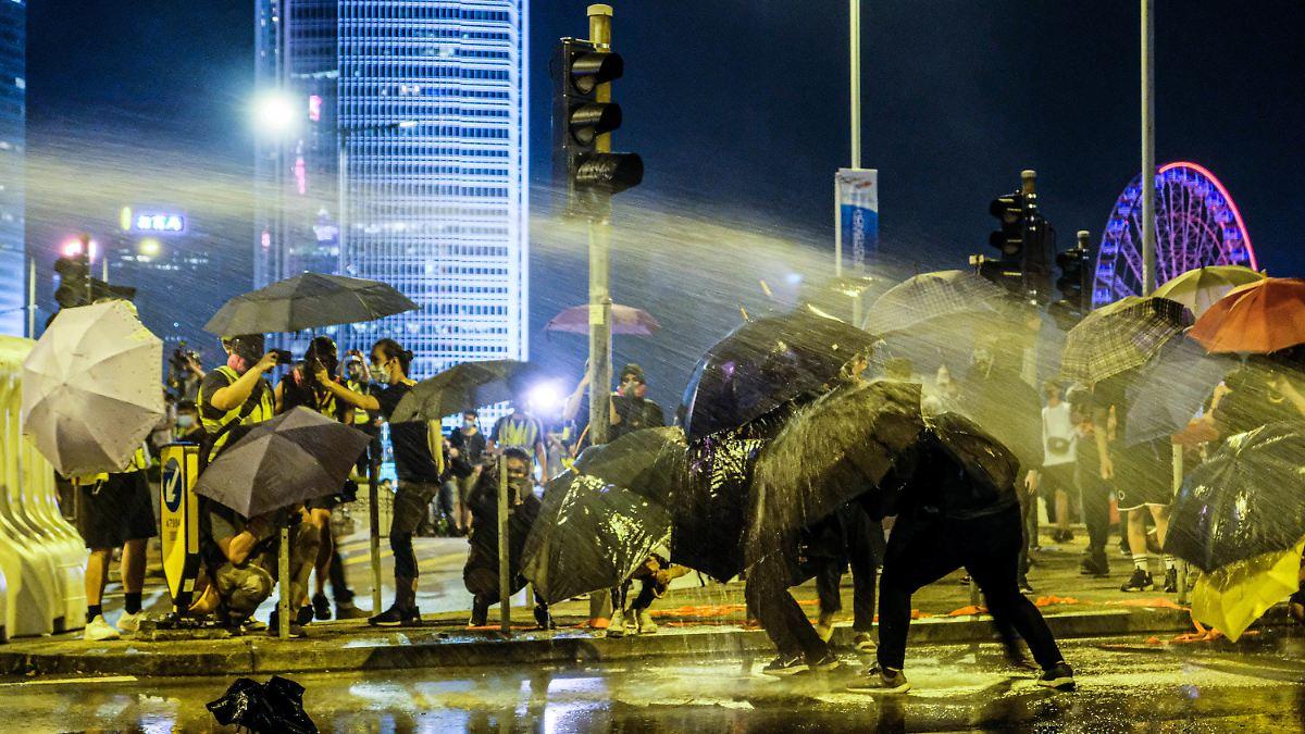 Hongkong-Proteste münden erneut in Gewalt