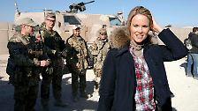 Mit Helm und Splitterweste: Was macht Stephanie zu Guttenberg am Hindukusch?