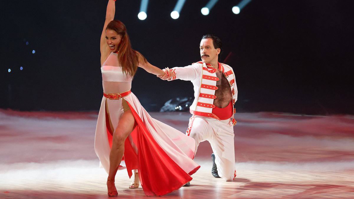 Oliver Pocher tanzt den Freddie