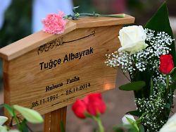 Jugendgewalt und Zivilcourage: Als Tuğçe Albayrak niedergeschlagen wird