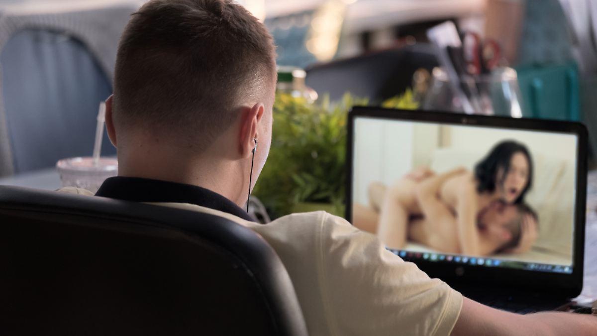 Schad-Software filmt heimlich Porno-Nutzer