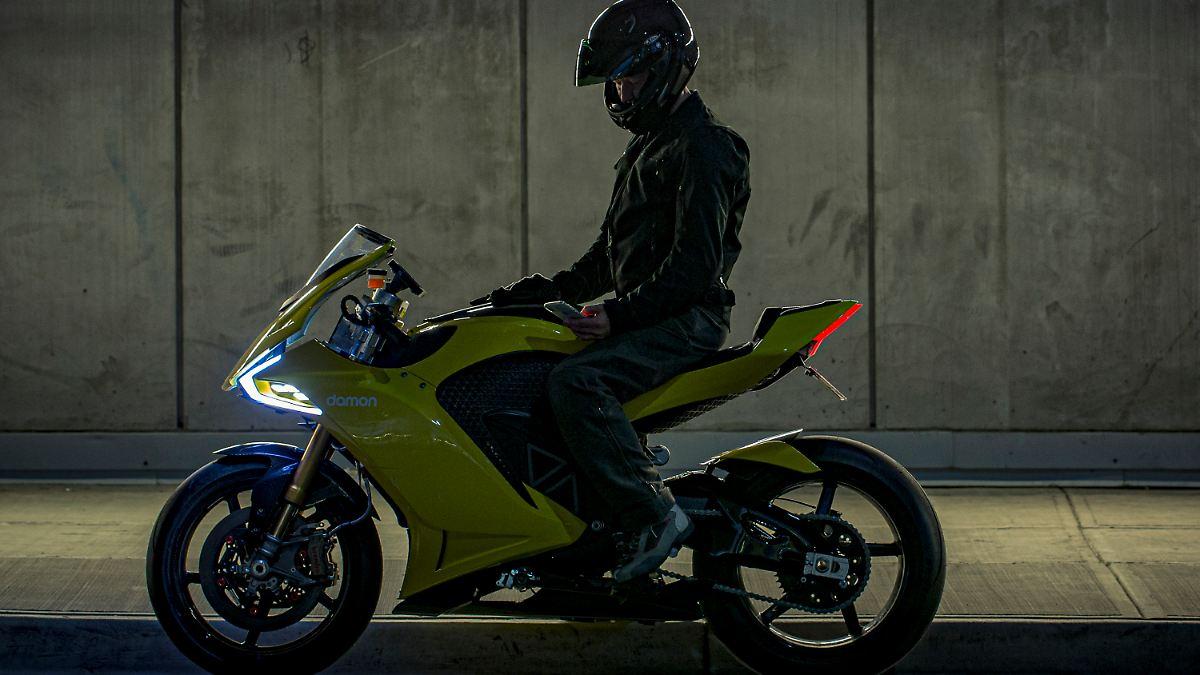 E-Motorrad mit Rundumschutz