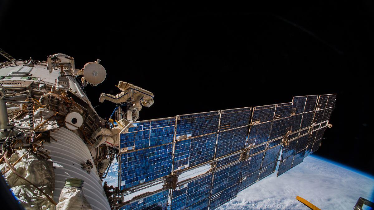 Ausstieg im russischen Anzug:Deutscher Astronaut vor ISS-Außeneinsatz - n-tv NACHRICHTEN