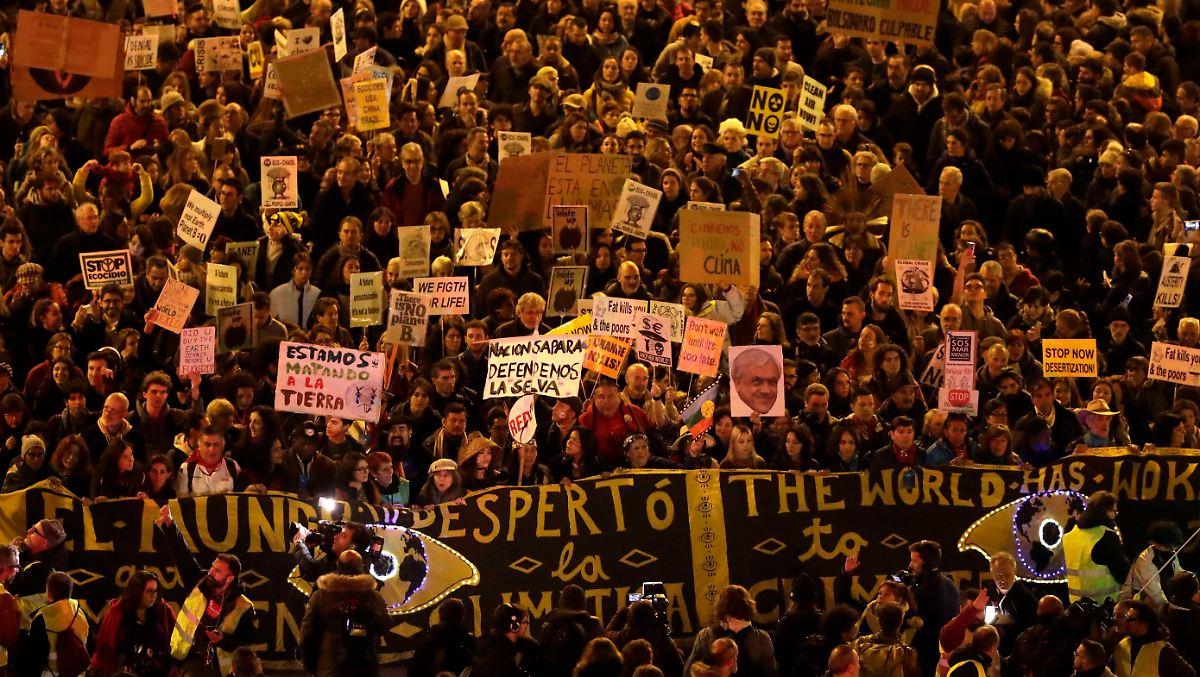 Tausende marschieren für die Umwelt