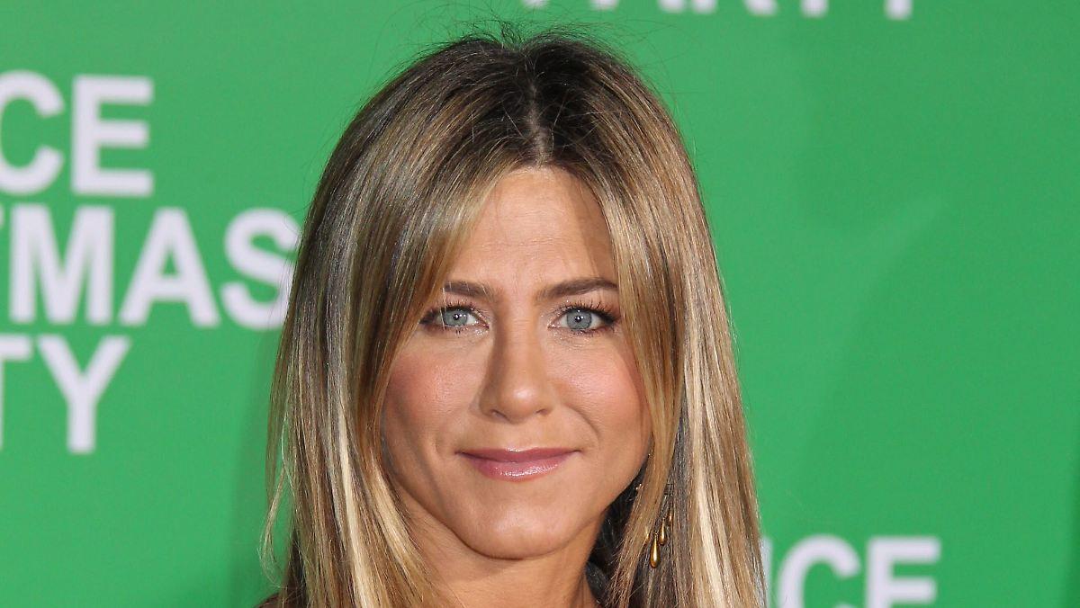 Jennifer Aniston überrascht Fans