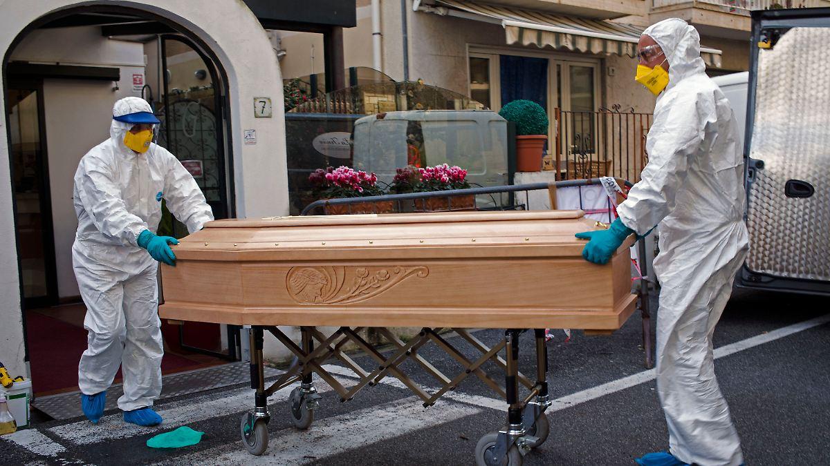 Corona Tote Italien