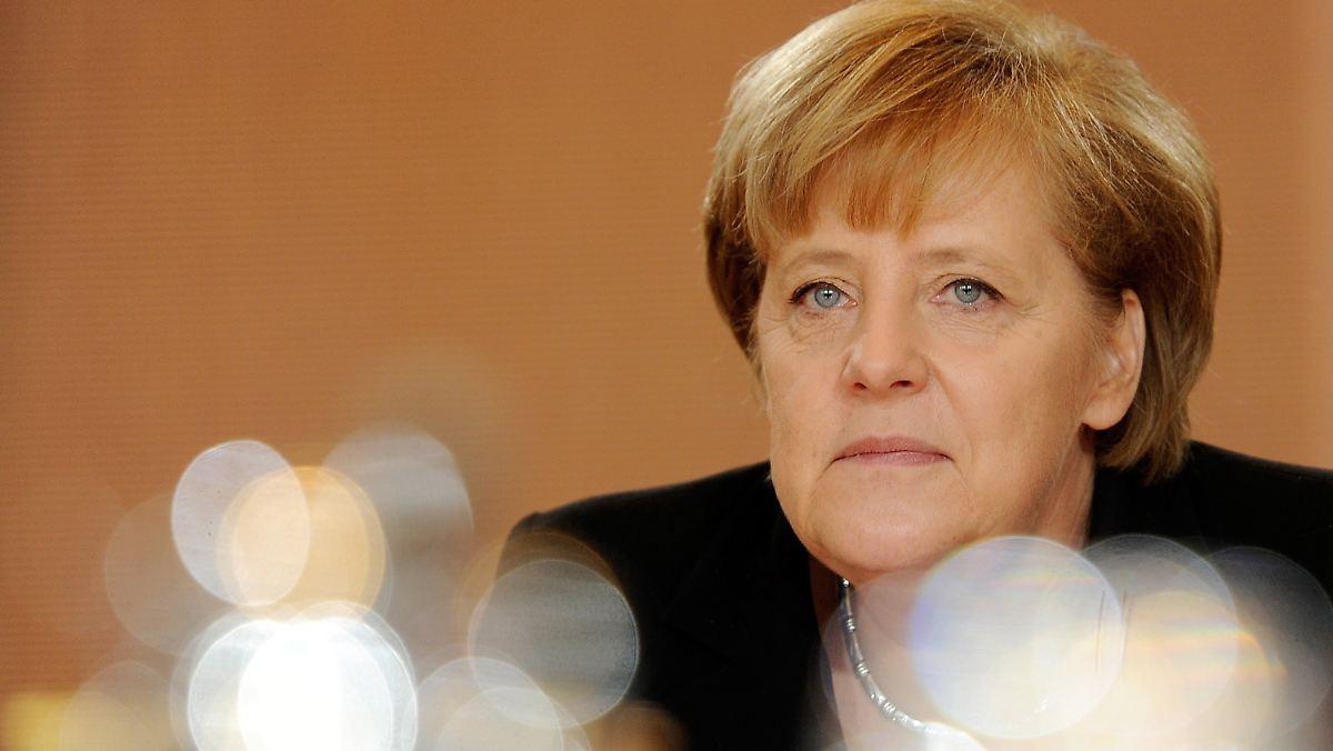 того также ангела меркель стрижка фото представляет собой куклу