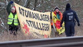 Castor-Transport nach Lubmin: Immer wieder kurze Gleisblockaden