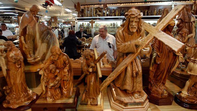 Jesusstatuen in einem Souvenirladen in Bethlehem.