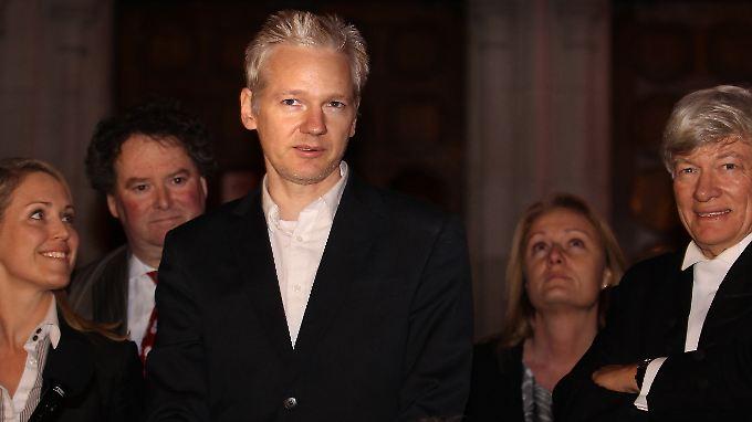 USA bereiten Anklage wegen Spionage vor: Assange ist wieder frei