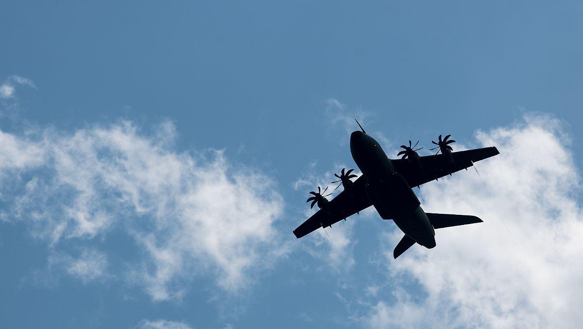 Luftwaffe holt Corona-kranke Polizisten