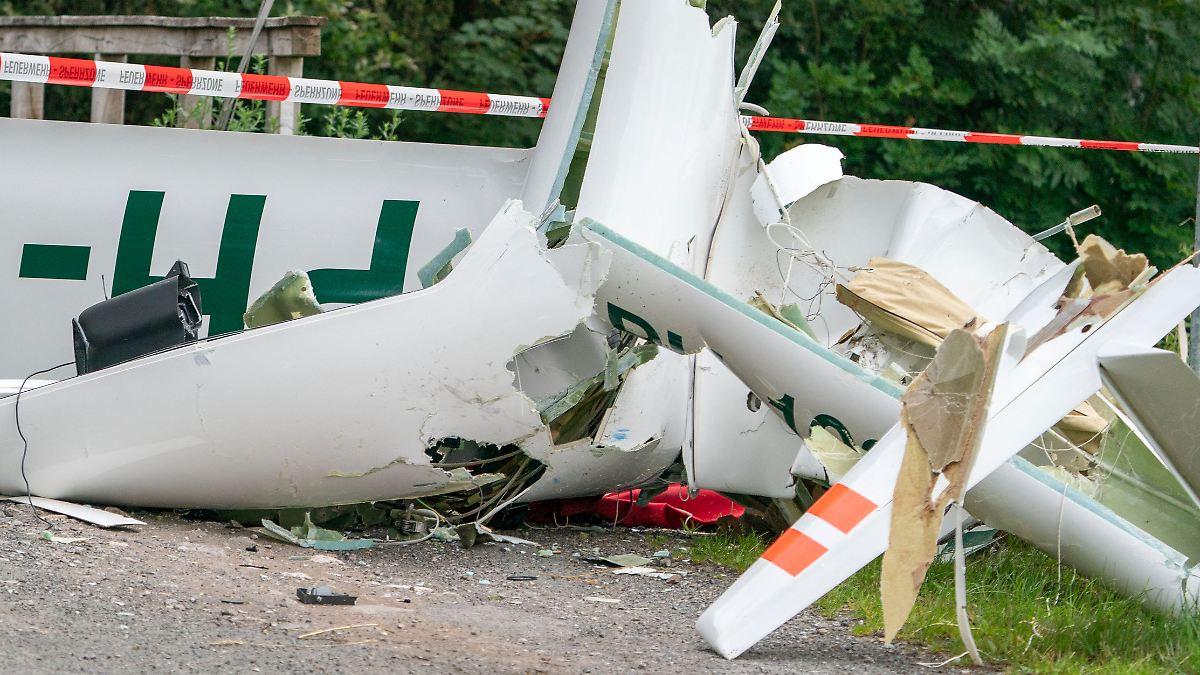 Zwei Menschen sterben:Segelflieger stürzen im Münsterland ab - n
