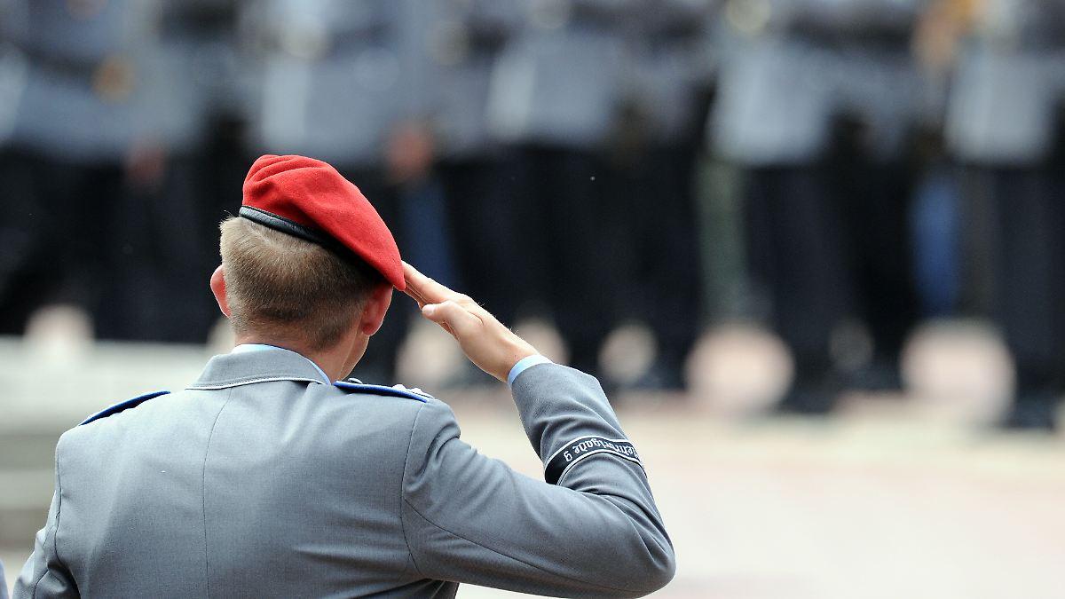 Bundeswehr-verf-gt-Dienstverbote-Rechtsextremer-Soldaten-Chat-fliegt-auf