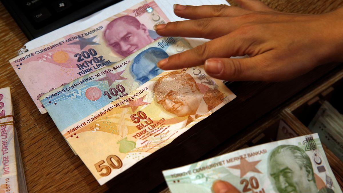 Türkische Notenbank erhöht die Zinsen