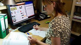 Vor allem Lehrer und Freiberufler dürften sich über die Arbeitszimmer-Entscheidung freuen.