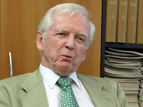 Harald zur Hausen erhielt 2008 den Nobelpreis für Medizin. Er hatte einen Impfstoff gegen eine der häufigsten Krebserkrankungen bei Frauen, den Gebärmutterhalskrebs, entwickelt.
