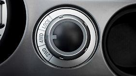 """Der Allradantrieb ist abschaltbar, was Kraftstoff spart. Im Modus """"Lock"""" bekommt die Hinterachse mehr Kraft und eine Differenzialsperre wird zugeschaltet."""
