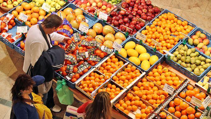 Was nicht mehr gut aussieht, landet in den Supermärkten auf dem Müll.