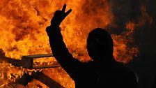 Massive Ausschreitungen: Dresdner verhindern Neonazi-Demo