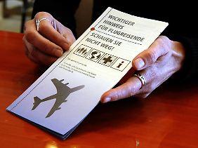 Mit diesem Flugblatt hatte Kümmel gegen die Abschiebung von Flüchtlingen protestiert.