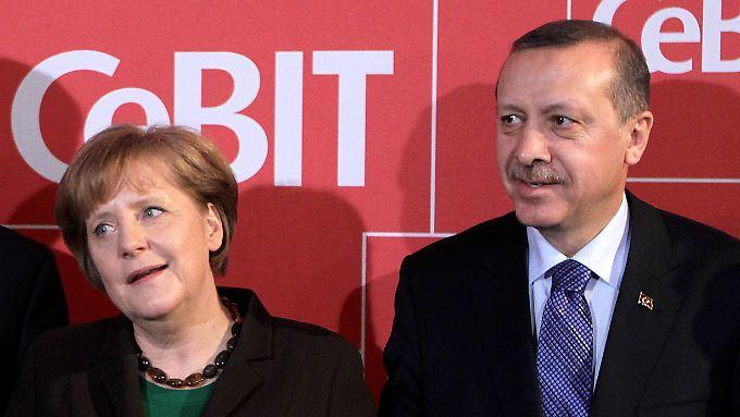 Erdogans Rede empört Union und FDP: Merkel vermeidet Kritik