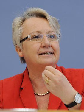 Bildungsministerin Annette Schavan will Hürden nur für Zuwanderer mit bestimmten Qualifikationen abbauen.