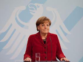 Die Opposition hält Merkel für blamiert.